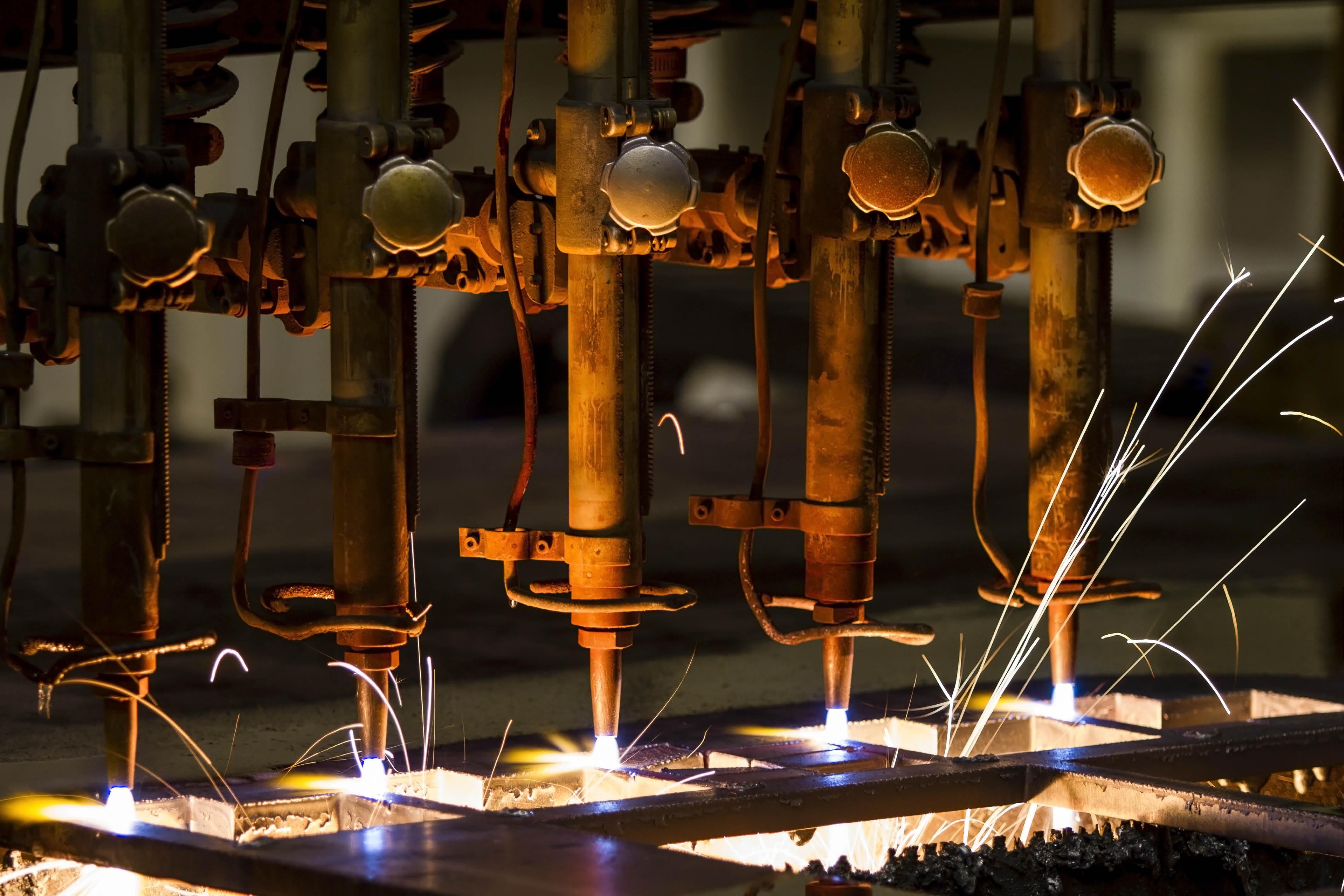 AdobeStock_69704212 manufacturing